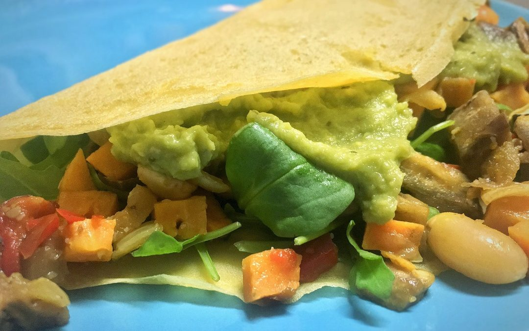 Crepes veganas con verduras y guacamole